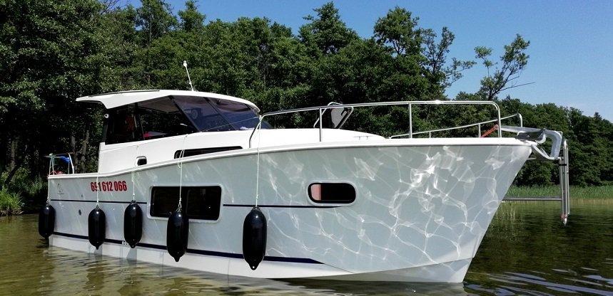czarter-houseboat-nautika-830-mazury-sztynort