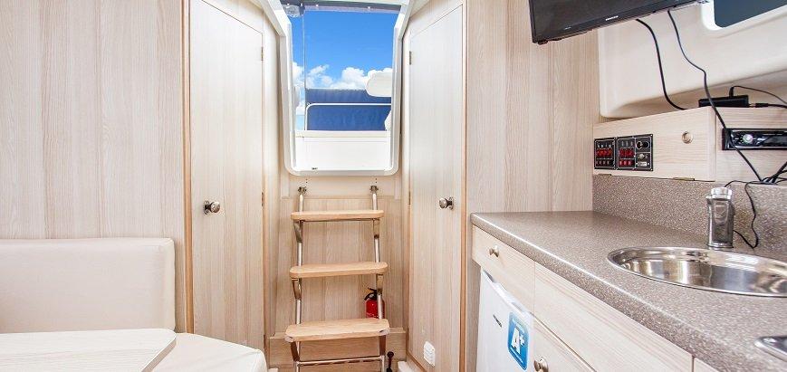 wnętrze-jachtu-nautika-830-soley