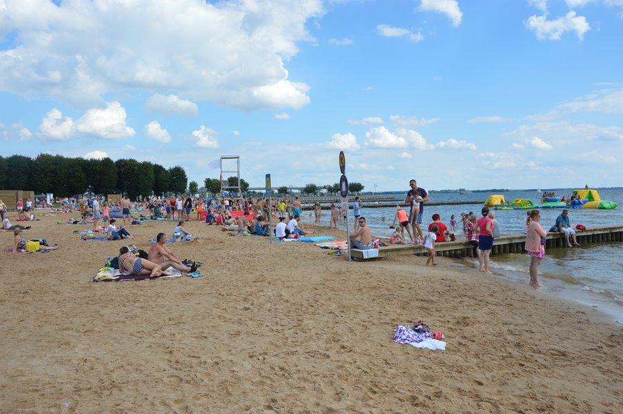 giżycko-plaża-w-szczycie-sezonu-wakacyjnego