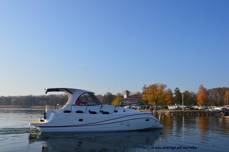 houseboat-mazury-jacht-illuminatus-ze-stoczni-tes-yacht