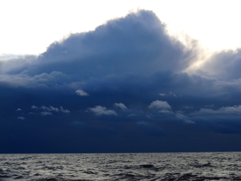 bezpieczeństwo-na-jachcie-a-chmury