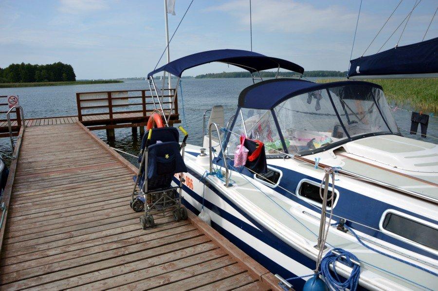 jacht-tes-32-dreamer-z-floty-marigo-carter-w-porcie-ognisty-ptak