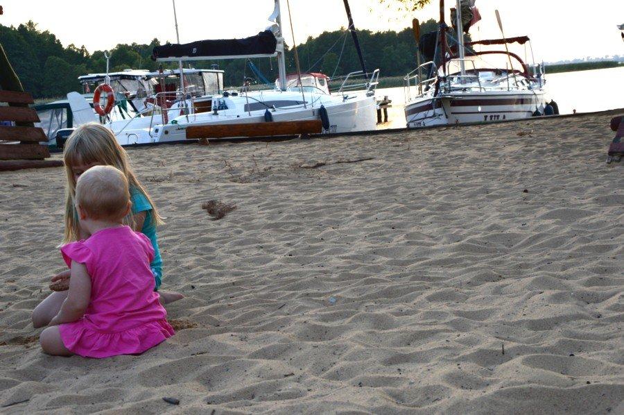 port-ognisty-ptak-plaża-z-widokiem-na-jezioro