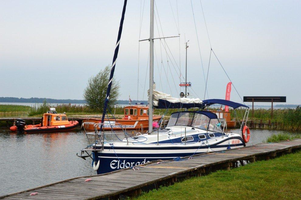 czarter-tes-32-marigo-jacht-w-porcie-skłodowo-nad-jeziorem-mamry