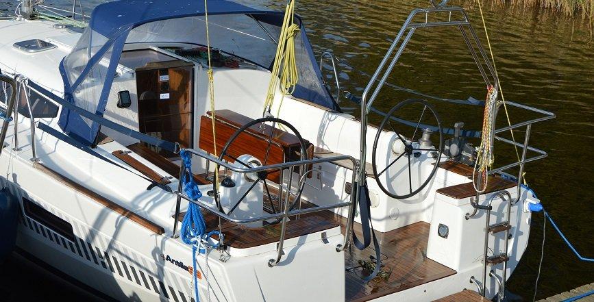 jacht-antila-33-czarter-port-sztynort
