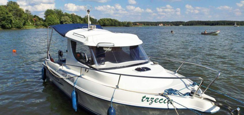 jacht-motorowy-quicksilver-czarter-mazury