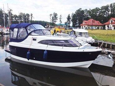 wynajem jachtu motorowego idealnego na wyprawy wędkarskie i rodzinne