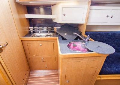 kambuz jachtu Antila 33
