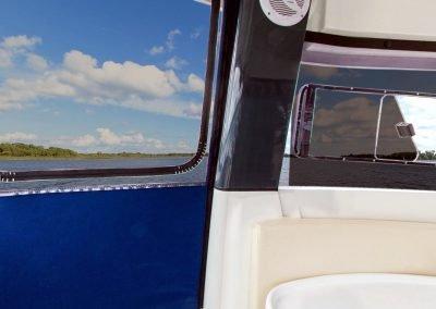 cabrio na jachcie motorowym Nautika 830