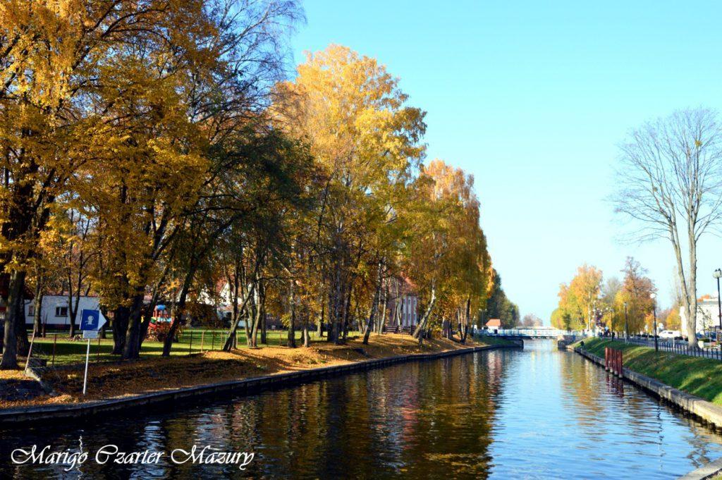 kanał Giżycki jesienią