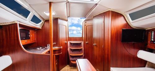 jacht-tango-33-wnętrze