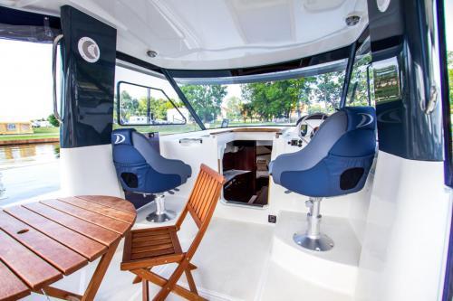 jacht-motorowy-wynajem-bez-patentu-mazury