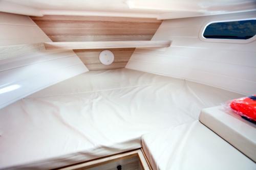 kabina-dziobowa-jachtu-nautika-830