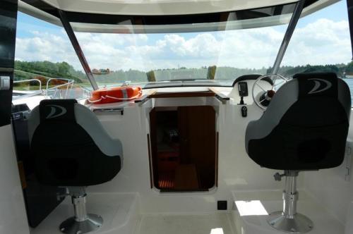 nautika-1000-fotele-sternika