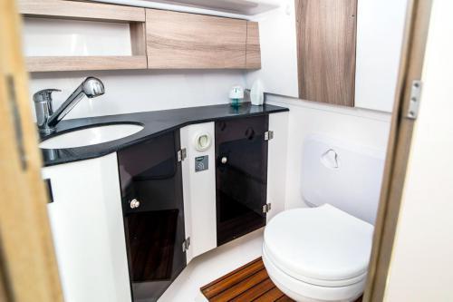 nexus-870-revo-kabina-wc
