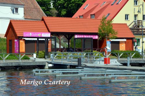port-ryn-ekomarina-restauracja-lodziarnia