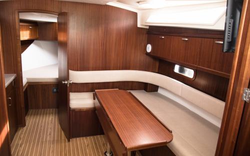 wnętrze-jachtu-futura-860